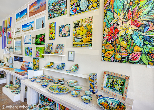 A photograph of Local Artists Jewellery and Artwork at Paradise Arts, Providenciales (Provo), Turks and Caicos Islands.