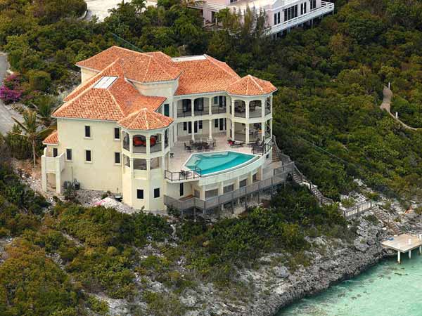 A photograph of Villa Palmera, Thompson Cove, Providenciales (Provo), Turks and Caicos Islands, British West Indies